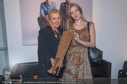 Humanic Lounge - Vienna Fashion Week - Mi 09.09.2015 - Liane SEITZ, Zoe STRAUB8