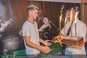 30 Jahresfeier - Europahalle - Fr 11.09.2015 - Geburtstagstorte f�r Dominic THIEM247