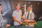 30 Jahresfeier - Europahalle - Fr 11.09.2015 - Geburtstagstorte f�r Dominic THIEM249