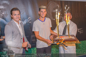 30 Jahresfeier - Europahalle - Fr 11.09.2015 - Geburtstagstorte f�r Dominic THIEM, Matthias SCHIFFER250