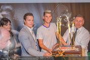 30 Jahresfeier - Europahalle - Fr 11.09.2015 - Geburtstagstorte f�r Dominic THIEM, Matthias SCHIFFER251