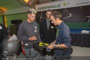 30 Jahresfeier - Europahalle - Fr 11.09.2015 - Selfies und Autogramme mit Dominic THIEM297