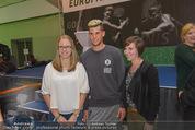 30 Jahresfeier - Europahalle - Fr 11.09.2015 - Selfies und Autogramme mit Dominic THIEM302