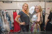 Vienna Fashion Week Finalshow - MQ Vienna Fashion Week Zelt - So 13.09.2015 - Kathi STEININGER, Missy MAY1