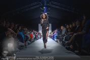 Vienna Fashion Week Finalshow - MQ Vienna Fashion Week Zelt - So 13.09.2015 - Emma LANFORD100