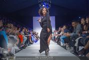 Vienna Fashion Week Finalshow - MQ Vienna Fashion Week Zelt - So 13.09.2015 - Emma LANFORD101