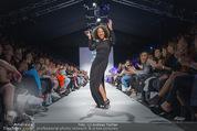 Vienna Fashion Week Finalshow - MQ Vienna Fashion Week Zelt - So 13.09.2015 - Emma LANFORD104