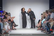 Vienna Fashion Week Finalshow - MQ Vienna Fashion Week Zelt - So 13.09.2015 - Emma LANFORD, Mario SOLDO106