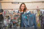 Vienna Fashion Week Finalshow - MQ Vienna Fashion Week Zelt - So 13.09.2015 - Miriam HIE11