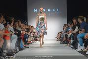 Vienna Fashion Week Finalshow - MQ Vienna Fashion Week Zelt - So 13.09.2015 - Cathy ZIMMERMANN am Laufsteg, Modenschau f�r Ninali111