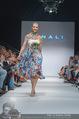 Vienna Fashion Week Finalshow - MQ Vienna Fashion Week Zelt - So 13.09.2015 - Cathy ZIMMERMANN am Laufsteg, Modenschau f�r Ninali112