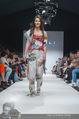 Vienna Fashion Week Finalshow - MQ Vienna Fashion Week Zelt - So 13.09.2015 - Sonja PL�CHL am Laufsteg, Modenschau f�r Ninali115