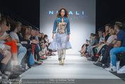 Vienna Fashion Week Finalshow - MQ Vienna Fashion Week Zelt - So 13.09.2015 - Miriam HIE am Laufsteg, Modenschau f�r Ninali118