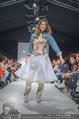 Vienna Fashion Week Finalshow - MQ Vienna Fashion Week Zelt - So 13.09.2015 - Miriam HIE am Laufsteg, Modenschau f�r Ninali123