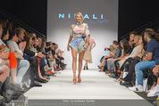 Vienna Fashion Week Finalshow - MQ Vienna Fashion Week Zelt - So 13.09.2015 - 129