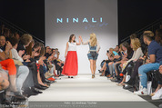 Vienna Fashion Week Finalshow - MQ Vienna Fashion Week Zelt - So 13.09.2015 - Sasa SCHWARZJIRG am Laufsteg, Modenschau f�r Ninali133