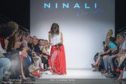 Vienna Fashion Week Finalshow - MQ Vienna Fashion Week Zelt - So 13.09.2015 - Sasa SCHWARZJIRG am Laufsteg, Modenschau f�r Ninali (ohne Schuh134