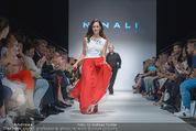 Vienna Fashion Week Finalshow - MQ Vienna Fashion Week Zelt - So 13.09.2015 - Sasa SCHWARZJIRG am Laufsteg, Modenschau f�r Ninali (ohne Schuh138