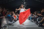 Vienna Fashion Week Finalshow - MQ Vienna Fashion Week Zelt - So 13.09.2015 - Sasa SCHWARZJIRG am Laufsteg, Modenschau f�r Ninali (ohne Schuh140