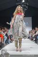 Vienna Fashion Week Finalshow - MQ Vienna Fashion Week Zelt - So 13.09.2015 - 149