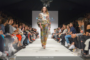 Vienna Fashion Week Finalshow - MQ Vienna Fashion Week Zelt - So 13.09.2015 - 150