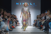 Vienna Fashion Week Finalshow - MQ Vienna Fashion Week Zelt - So 13.09.2015 - Missy MAY am Laufsteg, Modenschau f�r Ninali154