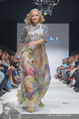 Vienna Fashion Week Finalshow - MQ Vienna Fashion Week Zelt - So 13.09.2015 - Missy MAY am Laufsteg, Modenschau f�r Ninali158