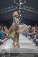 Vienna Fashion Week Finalshow - MQ Vienna Fashion Week Zelt - So 13.09.2015 - Missy MAY am Laufsteg, Modenschau f�r Ninali161
