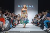 Vienna Fashion Week Finalshow - MQ Vienna Fashion Week Zelt - So 13.09.2015 - Kathi STEININGER am Laufsteg, Modenschau f�r Ninali162