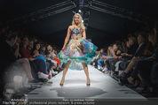 Vienna Fashion Week Finalshow - MQ Vienna Fashion Week Zelt - So 13.09.2015 - Kathi STEININGER am Laufsteg, Modenschau f�r Ninali169