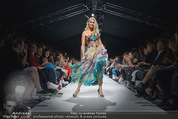 Vienna Fashion Week Finalshow - MQ Vienna Fashion Week Zelt - So 13.09.2015 - Kathi STEININGER am Laufsteg, Modenschau f�r Ninali170