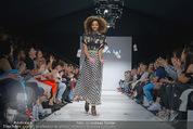 Vienna Fashion Week Finalshow - MQ Vienna Fashion Week Zelt - So 13.09.2015 - 173