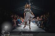 Vienna Fashion Week Finalshow - MQ Vienna Fashion Week Zelt - So 13.09.2015 - Model am Laufsteg, Modenschau f�r Ninali175