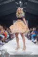 Vienna Fashion Week Finalshow - MQ Vienna Fashion Week Zelt - So 13.09.2015 - Patricia KAISER am Laufsteg, Modenschau f�r Ninali188
