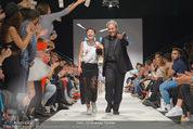 Vienna Fashion Week Finalshow - MQ Vienna Fashion Week Zelt - So 13.09.2015 - Nina KEPPLINGER, Mario SOLDO192