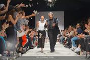 Vienna Fashion Week Finalshow - MQ Vienna Fashion Week Zelt - So 13.09.2015 - Nina KEPPLINGER, Mario SOLDO193