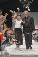 Vienna Fashion Week Finalshow - MQ Vienna Fashion Week Zelt - So 13.09.2015 - Nina KEPPLINGER, Mario SOLDO194