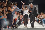 Vienna Fashion Week Finalshow - MQ Vienna Fashion Week Zelt - So 13.09.2015 - Nina KEPPLINGER, Mario SOLDO195