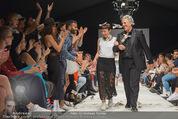 Vienna Fashion Week Finalshow - MQ Vienna Fashion Week Zelt - So 13.09.2015 - Nina KEPPLINGER, Mario SOLDO197