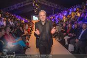 Vienna Fashion Week Finalshow - MQ Vienna Fashion Week Zelt - So 13.09.2015 - Mario SOLDO46