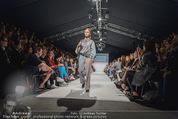 Vienna Fashion Week Finalshow - MQ Vienna Fashion Week Zelt - So 13.09.2015 - 51