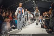 Vienna Fashion Week Finalshow - MQ Vienna Fashion Week Zelt - So 13.09.2015 - 65