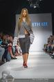 Vienna Fashion Week Finalshow - MQ Vienna Fashion Week Zelt - So 13.09.2015 - 81