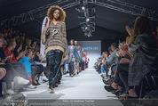 Vienna Fashion Week Finalshow - MQ Vienna Fashion Week Zelt - So 13.09.2015 - Modenschau Kenneth IZE92