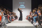 Vienna Fashion Week Finalshow - MQ Vienna Fashion Week Zelt - So 13.09.2015 - Emma LANFORD93