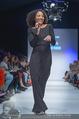 Vienna Fashion Week Finalshow - MQ Vienna Fashion Week Zelt - So 13.09.2015 - Emma LANFORD97