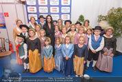 Starnacht Wachau - Wachau - Sa 19.09.2015 - Conchita WURST mit Kindern56