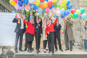 Ronald McDonald Baugrundübergabe - 1090 Wien - Do 24.09.2015 - Luftballons werden steigen gelassen37