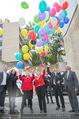 Ronald McDonald Baugrundübergabe - 1090 Wien - Do 24.09.2015 - Luftballons werden steigen gelassen48