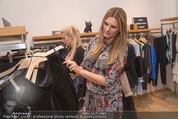 Fashion for Charity - Bestseller Headquarter - Do 24.09.2015 - Martina KAISER beim Shoppen144